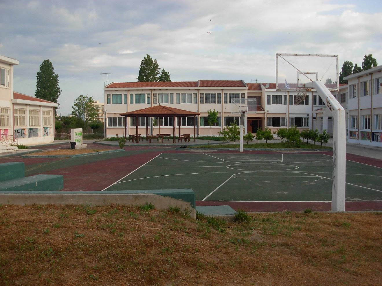 Σχολείο Χυλόκαστρου - χώρος κατασκήνωσης