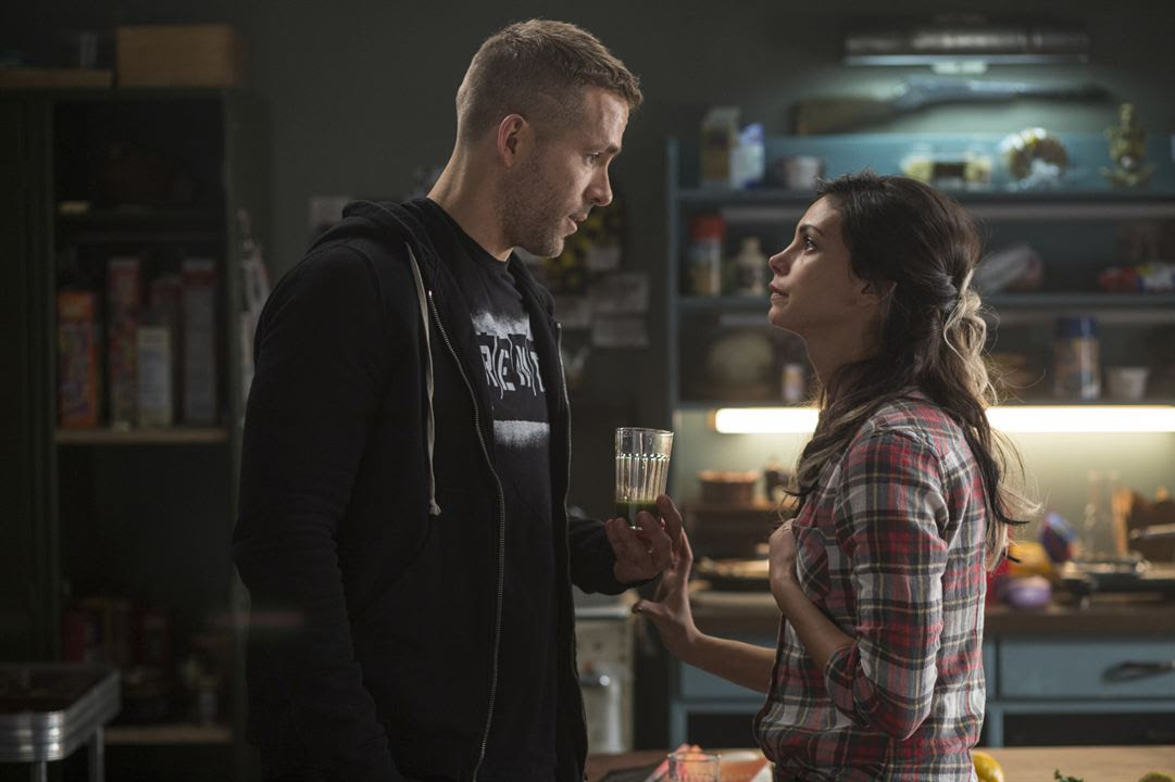 Deadpool : Foto Morena Baccarin, Ryan Reynolds