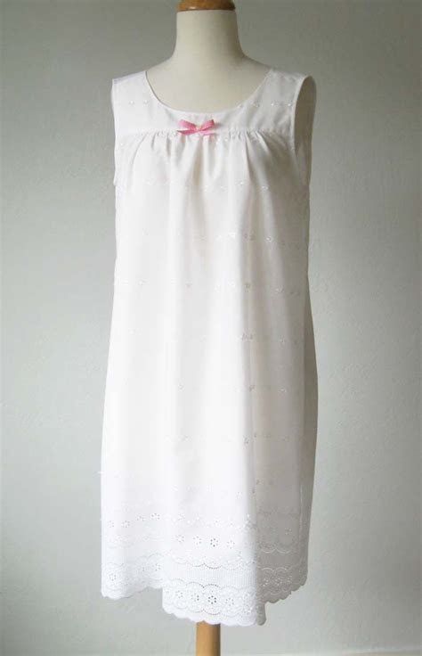 Nightgown Pattern to Sew ? FREE Tutorial   Sew What