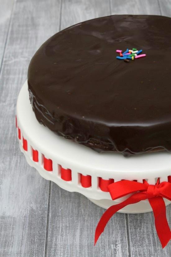Eggless chocolate cake recipe (Eggless cake recipe with ...