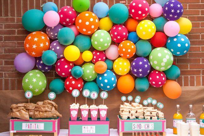 130914_Balloon_wall_20_baja