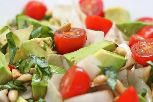 Endives, avocado and tomatoes