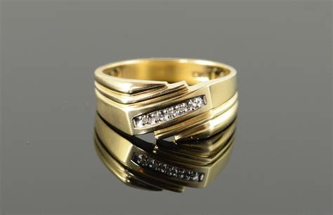 10K Genuine Diamond Classic Wedding Band Men's Yellow Gold