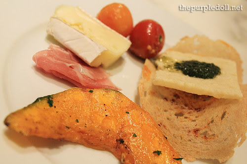 Plate - Cheeses and Grilled Pumpkin