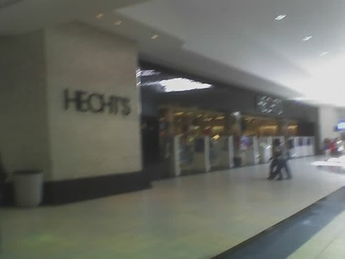 Hecht's mall signage - PG Plaza