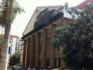 Templo da Igreja Universal em Angola (Foto: BBC)