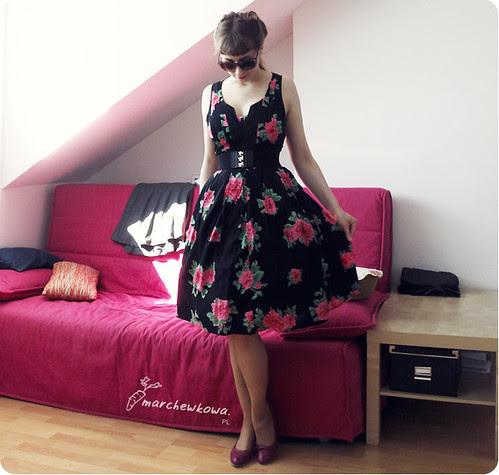 szafiarka, marchewkowa, retro, vintage, sukienka vila, buty tchibo, kocie okulary KappAhl, pasek H&M