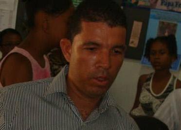 Ivanildo autor dos crimes está sendo procurado pela polícia