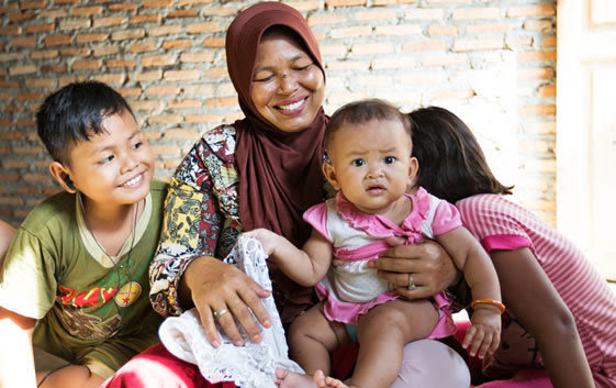 Mothers Day 2017 -  Photo credit: Syane Luntungan, USAID