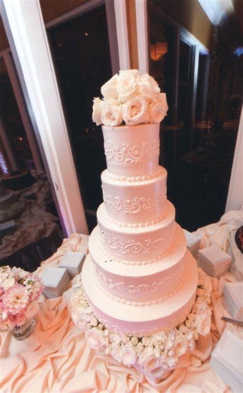 Upside Down Wedding Cake (No really!) ? Dallas Duo Bakes