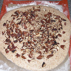 Whole Wheat Sandwich Bread with Oats and Pecans2