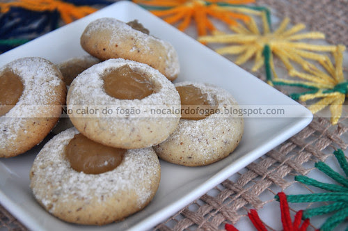 Thumbprint cookies paraenses