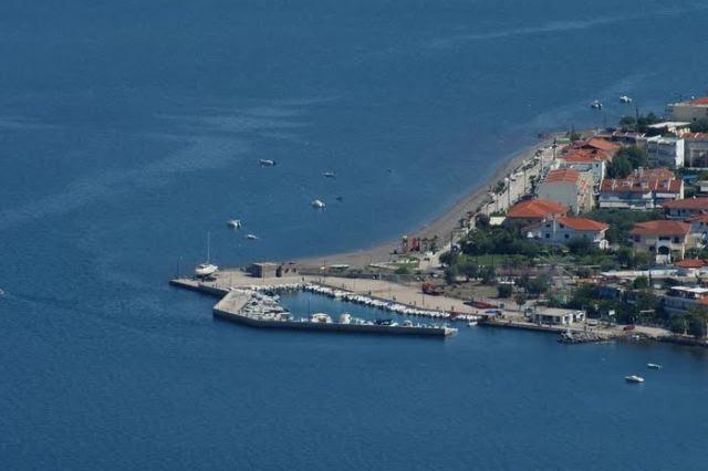 Έπεσαν υπογραφές για το καταφύγιο Τουριστικών Σκαφών Καμένων Βούρλων