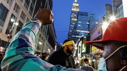 В Нью-Йорке проходят протесты Black Lives Matter