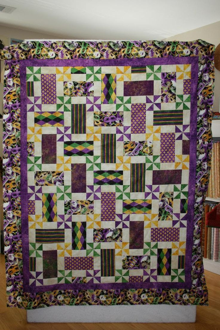 Mardi Gras quilt I saw at a quilt show.