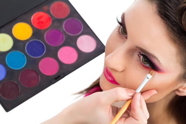 Makeup artist requirements