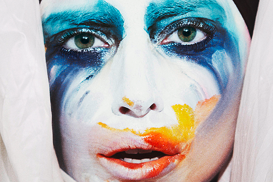 Lady GaGa : Applause photo Lady-Gaga-Goes-on-ARTPOP-Tweeting-Spree-Announces-Applause-Video-Release-Date.png