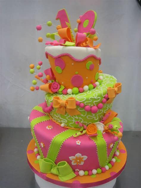 Easy Wedding Cake Decorating Ideas   Wedding Ideas