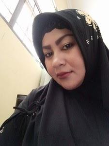 Tante Hijab Cantik Body Semok