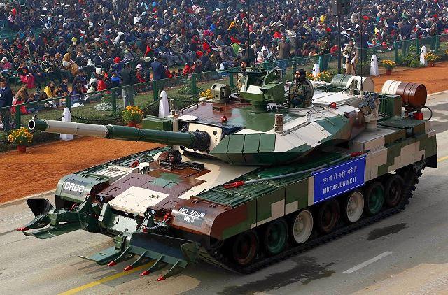 El Arjun Mk.II MBT (tanque de batalla principal) se dio a conocer por primera vez al público en la 65 ª República Desfile del Día de la India Militar, 26 de enero de 2014. THLE última versión de Arjun MBT está dirigido a que ejemplifica la fuerza de DRDO en el área de tecnología de defensa - diseño y desarrollo, lo que lleva a la producción de estado de los sistemas de armas de última generación para las fuerzas armadas de la India.