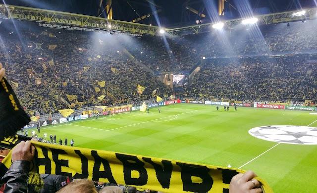 Dortmund vence com placar econômico e se classifica