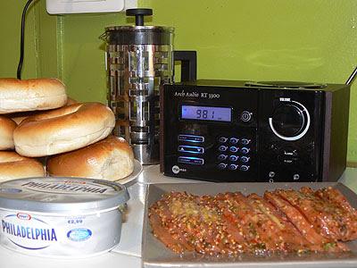 bagels et radio.jpg