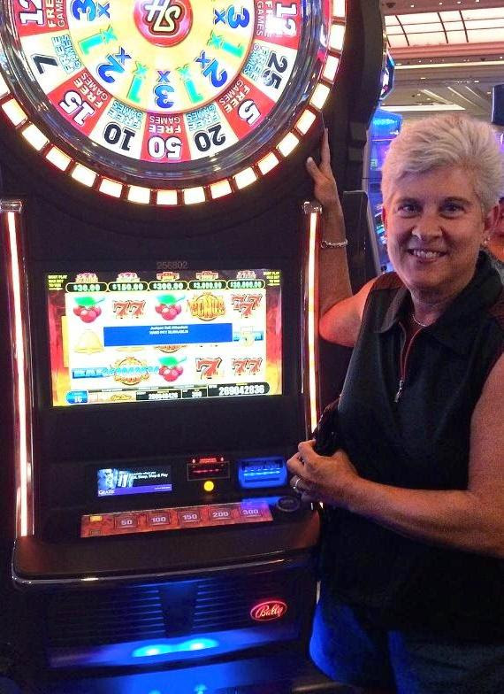 Play the BEST free vegas slots game and claim 2,, FREE COINS as a welcome bonus! Feel the real Las Vegas casino game NOW! Grand Jackpot Slots brings you the HOTTEST slots casino and you can enjoy the most burning thrill ever.There are lots of video slot machines with huge payouts, free spins and grand jackpots.With amazing graphics and stunning effects, each slot machine brings special 4,6/5(50K).
