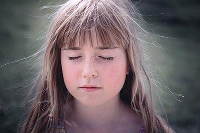 mindfulness en los ojos bilaketarekin bat datozen irudiak