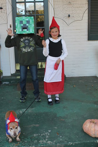 Gnomeo & Juliet and a Minecraft Creeper