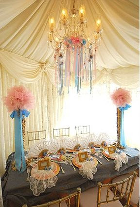 The pink and blue make for a perfect Marie party!  This will be my inspiration for the party.