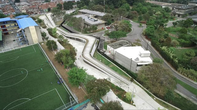 Así lucen hoy los campos de deportes en Medellín