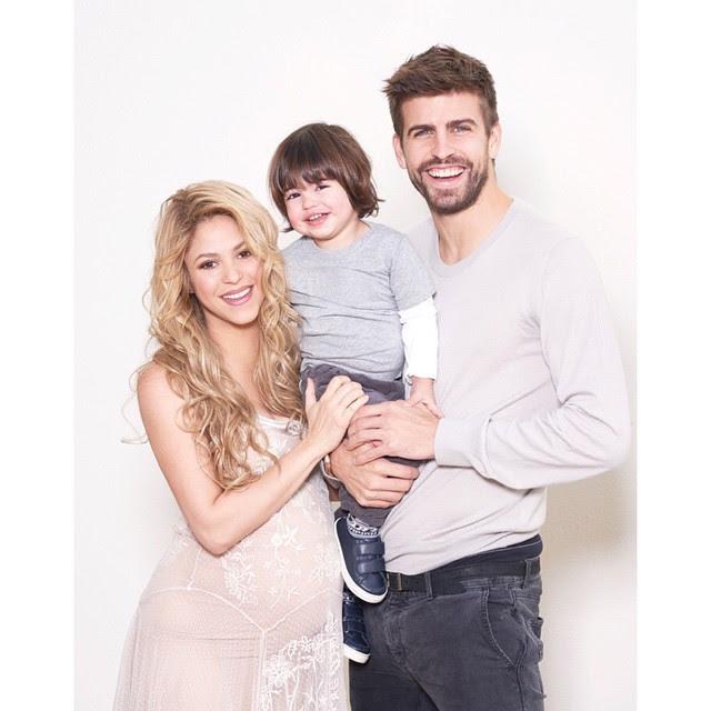 Shakira com Gerard Piqué e o filho, Milan (Foto: Reprodução/Instagram)