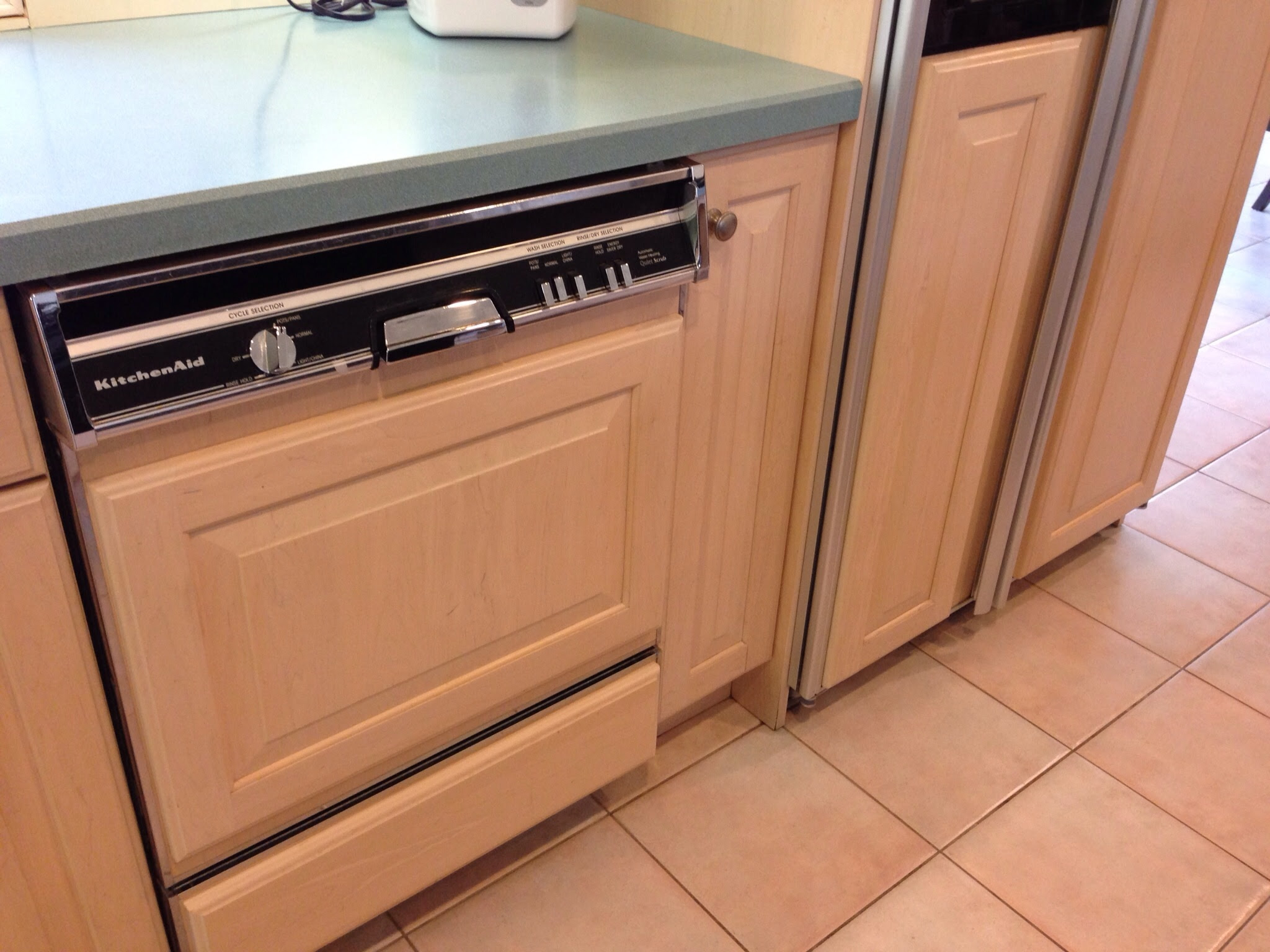 What Color Granite with Pickled Oak Cabinets
