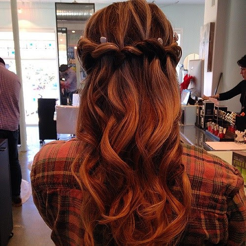 20 Gorgeous Waterfall Hairstyles: Cute Long Hair Style Ideas for 2021