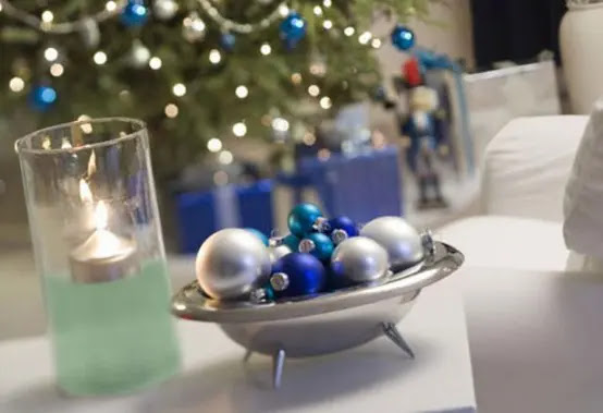 10 Awesome Christmas Balls and Ideas How To Use Them In Decor
