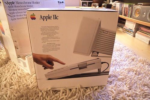 Apple //c Unboxing