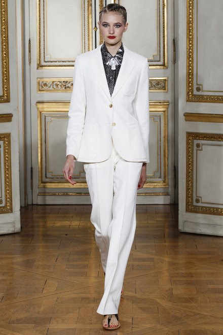 http://www.vogue.com/fashion-shows/spring-2016-ready-to-wear/vanessa-seward/slideshow/collection#1