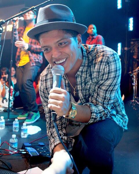 File:Bruno Mars, Las Vegas 2010.jpg