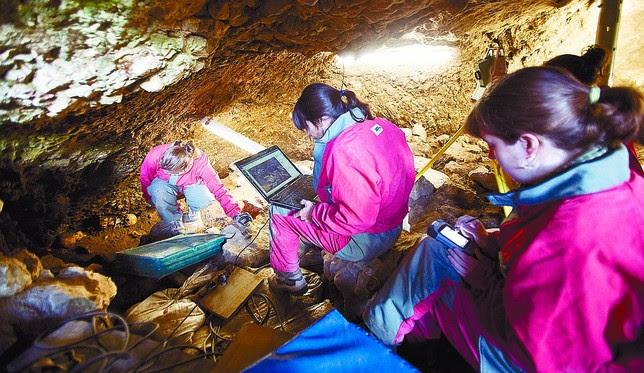 Poco a poco se van conociendo más datos sobre los usos que tuvo esta cueva.  Miguel Ángel Valdivielso