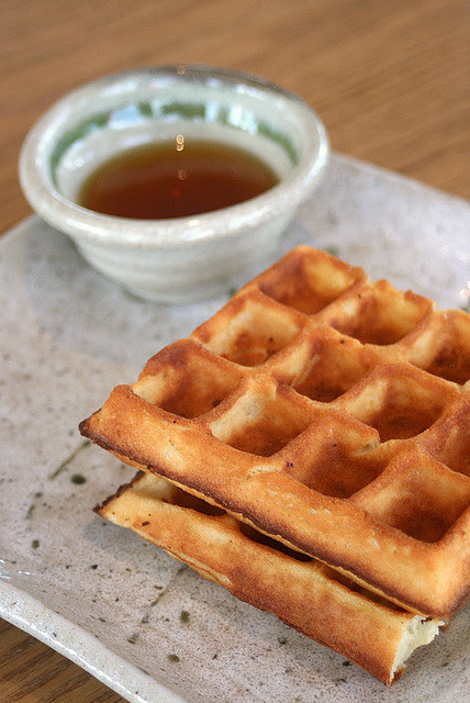Waffles - plain version with maple syrup