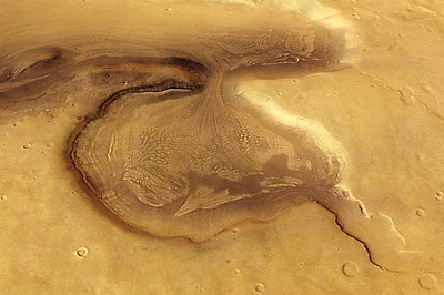 Perspective view of a glacial feature ìn Deuteronilus Mensae