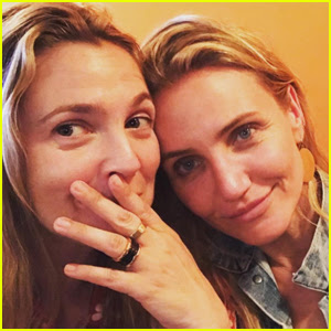 Drew Barrymore Reunites With 'Charlie's Angels' Co-Star Cameron Diaz!