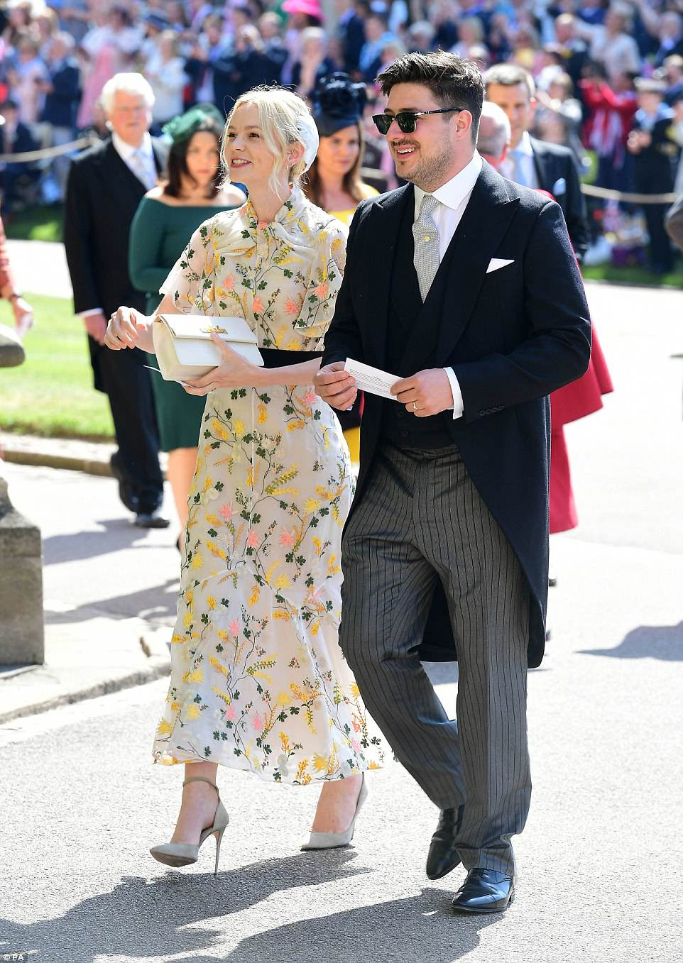 Estrellas británicas: la actriz de The Great Gatsby Carey Mulligan y su esposo Marcus Mumford, de Mumford and Sons se unen a una serie de celebridades y figuras públicas para la lista de invitados de la boda llena de estrellas