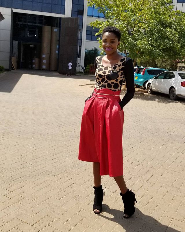 26 beautiful red leather skirt outfit ideas you should see