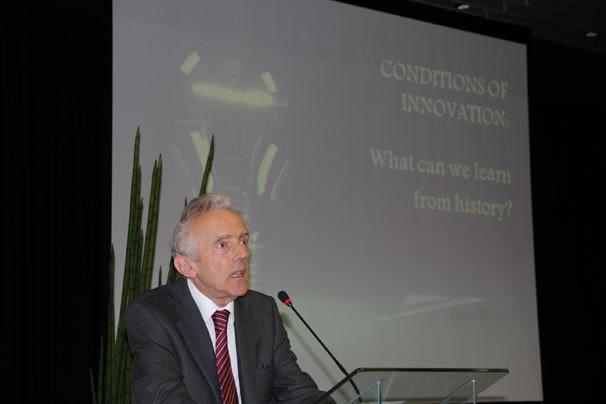 O historiador ministrou uma palestra no III Conitec (Foto: Globo/Juan Crisafulli)