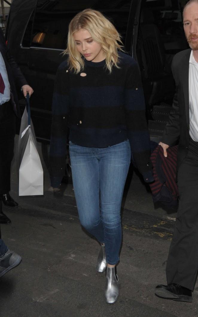 Chloe Moretz in jeans -04