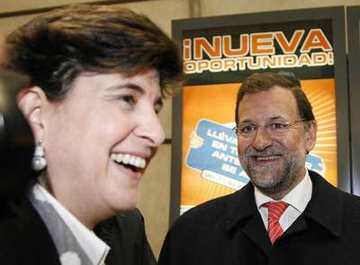 http://www.elpais.com/recorte/20080112elpepinac_5/LCO340/Ies/Maria_San_Gil_izquierda_Mariano_Rajoy.jpg