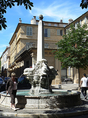 fontaine aix 1.jpg
