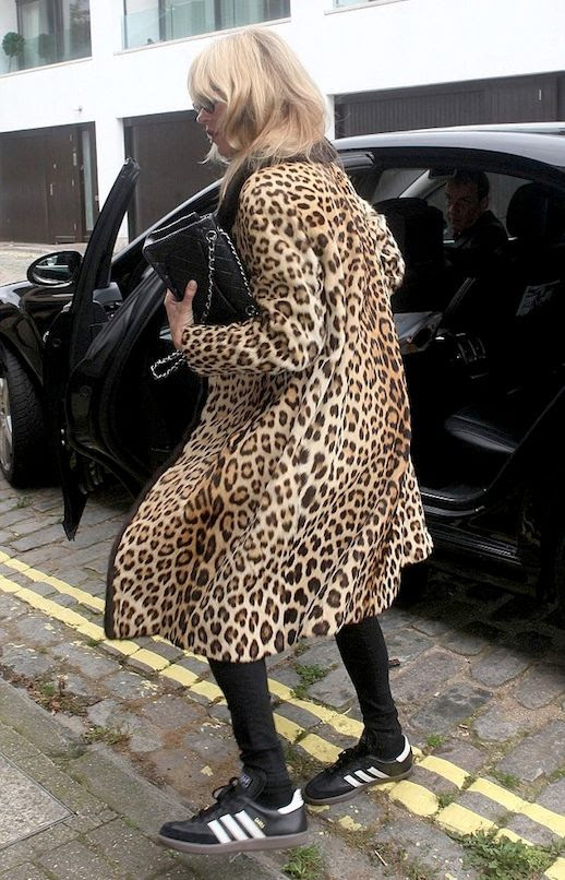 Le Fashion Blog Kate Moss Long Leopard Print Coat Black Skinny Jeans Adidas Sneakers Via Dailymail UK