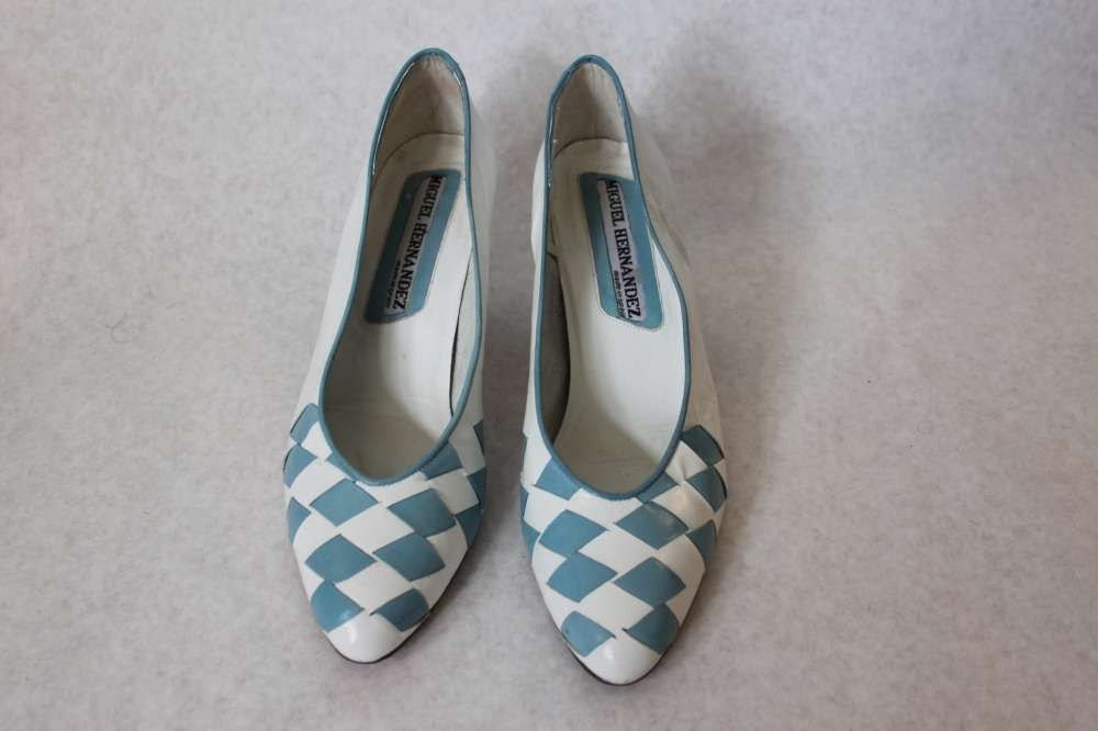 Vintage mod new wave blue and white 1980's 80's leather woven basket checker heels shoes Miguel Hernandes made in Spain size 8 us